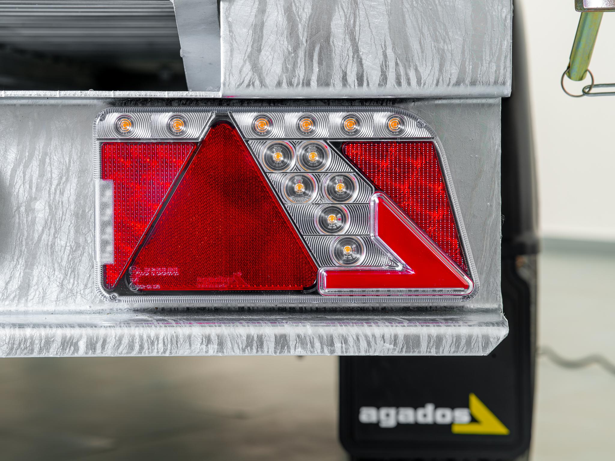 přívěsy Agados s LED technologií