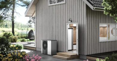 Vnitřní systémová jednotka VVM S320 a tepelné čerpadlo systému vzduch voda