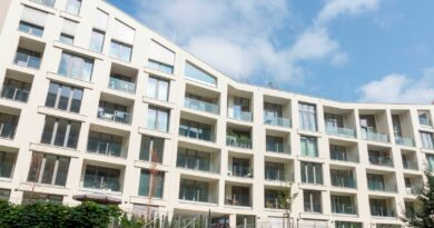 Dřevěná okna jsou vhodná i pro bytové domy